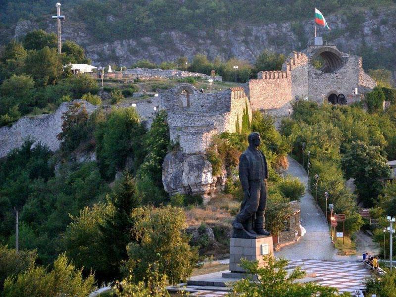 Резултат с изображение за ловеч снимки крепостта